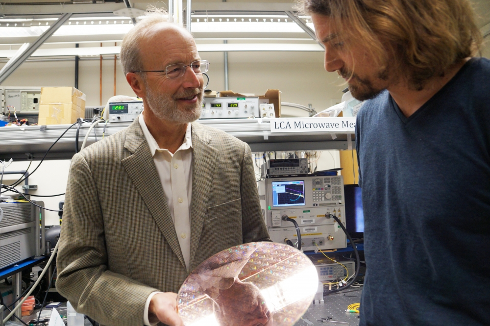 John Bowers with Komljenovic in lab